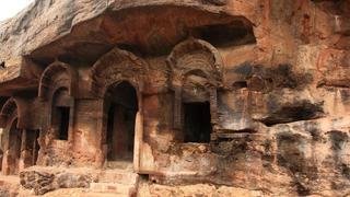 Guntapalli-att-Large Monastery